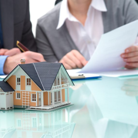 Get homeowners' insurance near you